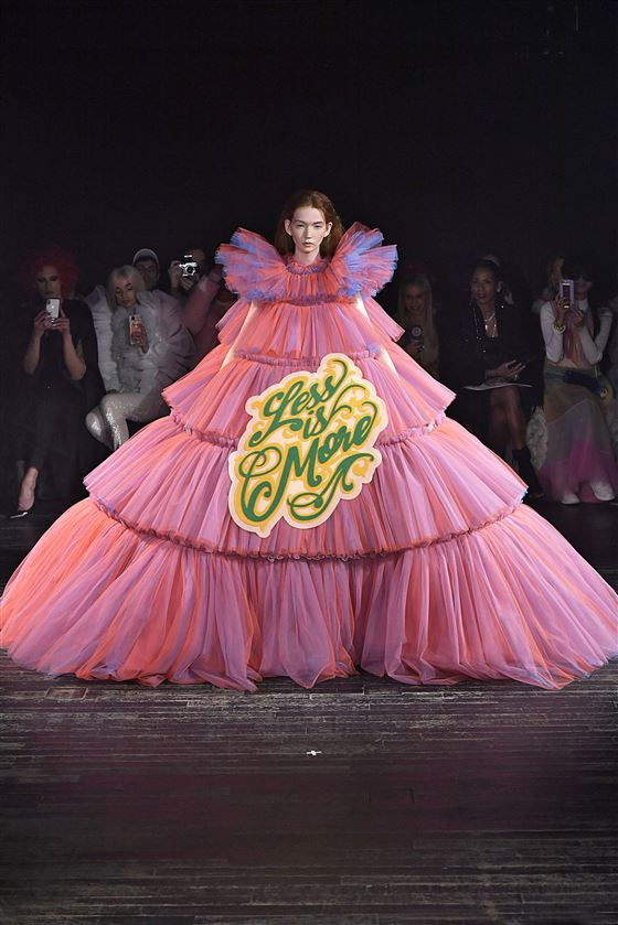 Viktor_Rolf-H._Couture_S19_6220199344